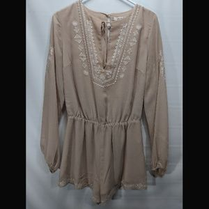 Forever 21 Romper Beige Size Small